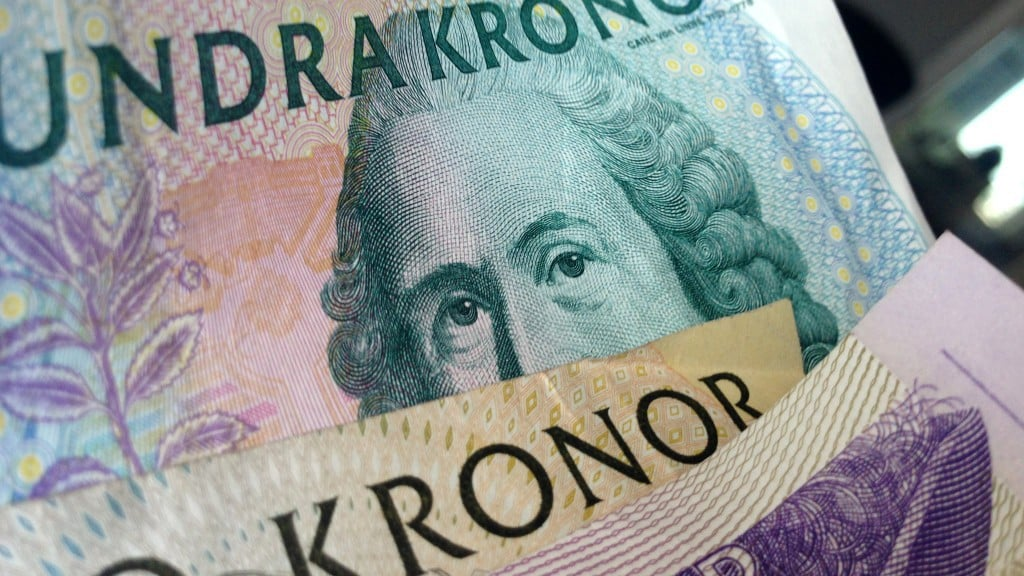 Swedish currency' s double-digit decline