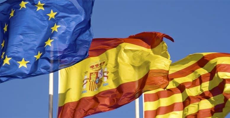 Tây Ban Nha, một đoàn tàu cao tốc với hai đầu tầu